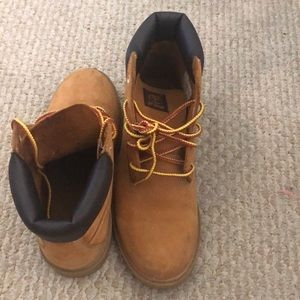 Timberland Waterproof Youth boots Size 6Y Boys